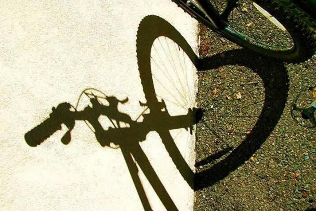 bike shadow heart